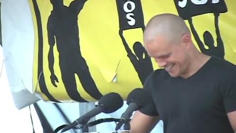 Thumbnail for entry Matt Damon speaks before SOS March