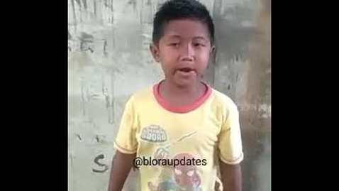 Thumbnail for entry Niño canta como pájaro increible