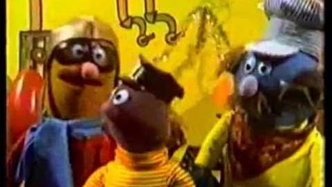 Thumbnail for entry Sesame Street (1970) - Yellow Submarine by the Beatles