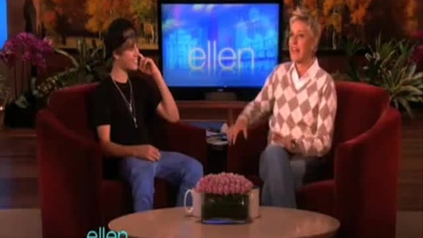 Thumbnail for entry Justin Bieber teaches how to dougie on Ellen.