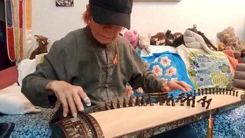 Thumbnail for entry T. Nhan introduces the đàn tranh zither