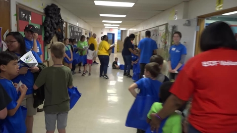 Thumbnail for entry Boeing Brings Technology to Mallinckrodt Academy