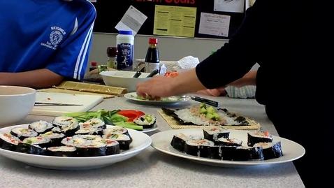 Thumbnail for entry Tetsuya and Mika make sushi3