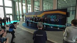 ZVEI Celebrates Opening of MES Expo in Berlin