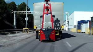 SEAT implements self-driven robots to automate outdoor parts transport - Footage