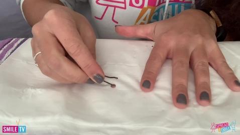 Thumbnail for entry Polka dot nails