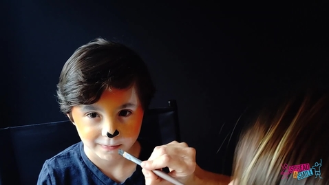 Thumbnail for entry Tiger Face Painting