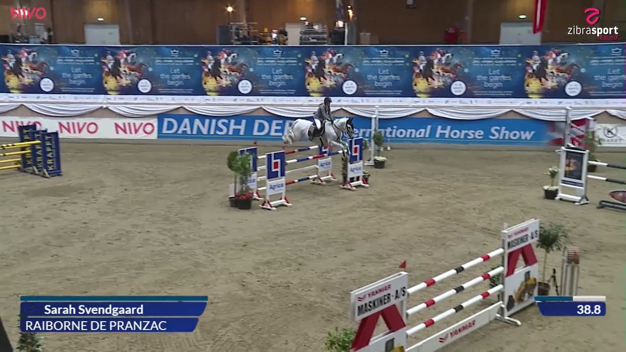 Young rider indoor final (140 cm) at the DRF jumping championships at Vilhelmsborg i 2020
