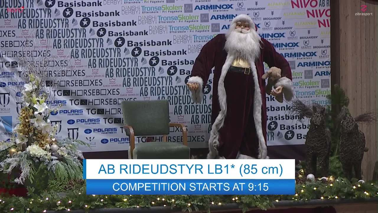 AB RIDEUDSTYR LB1* (85 cm) ved Christmas Show Warm Up for pony 2019
