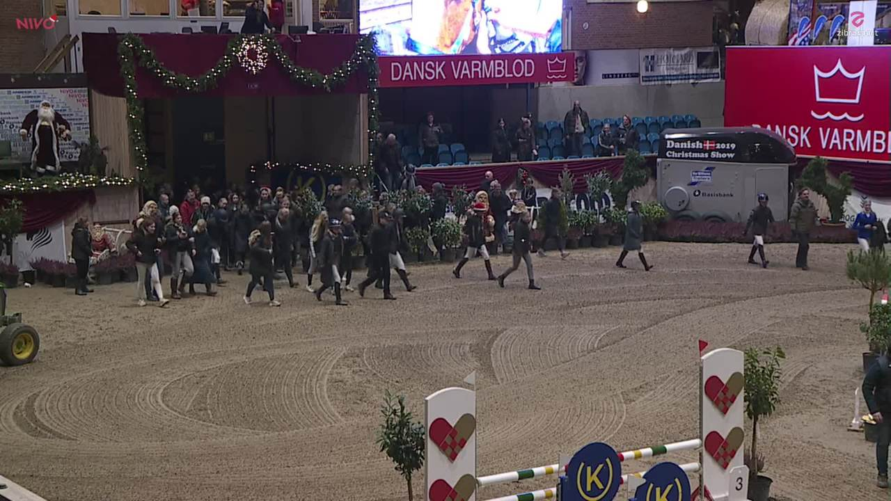 1. afd. AB RIDEUDSTYR MESSINGTUR ved Christmas Show Warm Up for pony 2019