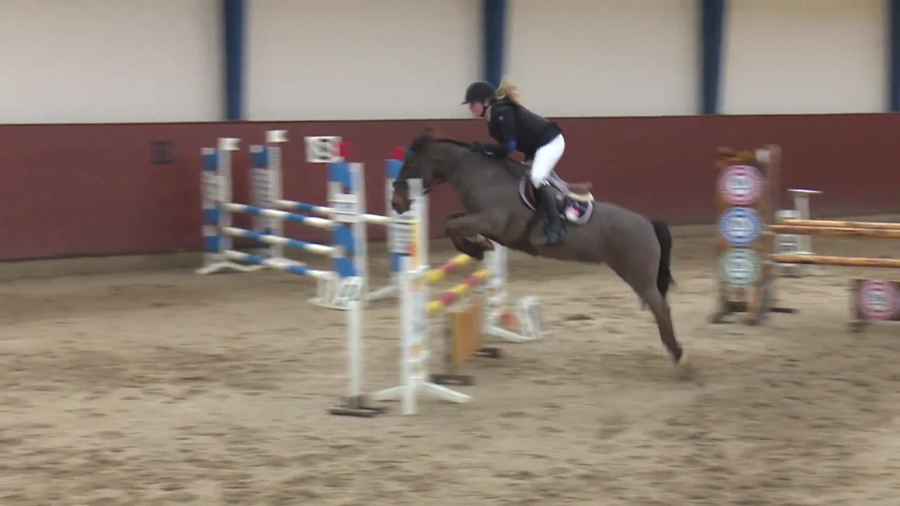 Jumping from the B-event at Middelfart Ridecenter 2016