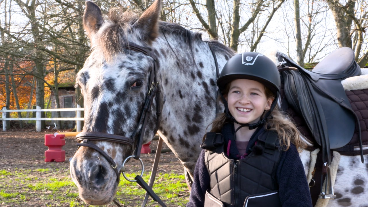 Show Us Your Pony: Mie and Plet