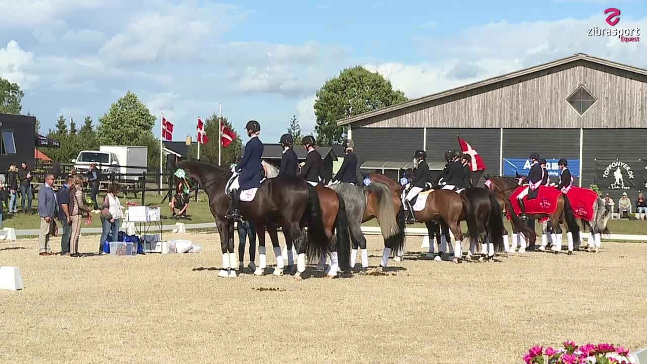 Prizegiving at DM in dressage for teams
