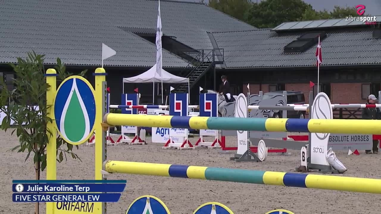2nd qualifier and final in Agria DRF championship U18 – MA2** (140 cm) A