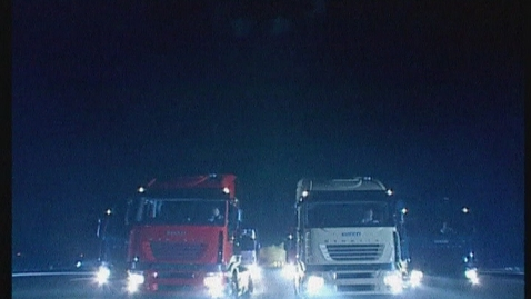 Thumbnail for entry IVECO 2003     Stralis-Kader bei Nacht