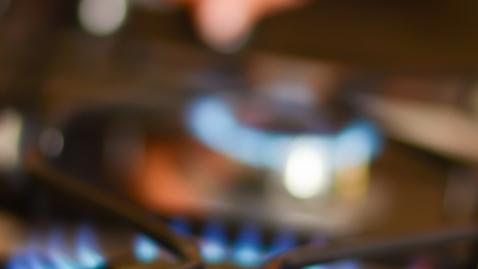 Health Minute: What Should I Do If I Get Burned?