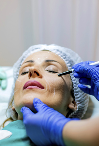 What is the Difference Between a Normal Facelift and a Mini Facelift?