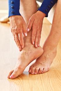 ER or Not: Leg is Swollen After a Long Car Drive
