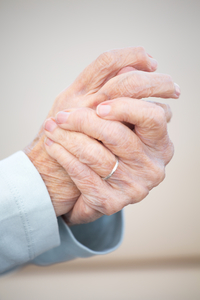 When to be Concerned About Hand Tremors | University of Utah Health